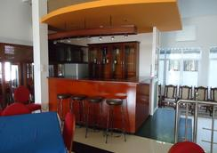 Palm Grove Holiday Inn - Arugam - バー