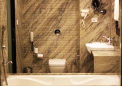 エルビー ガンガ ビュー - Rishikesh - 浴室