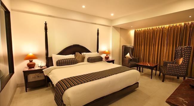 EllBee Ganga View - Rishikesh - 寝室