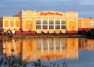 KeyLime Cove Indoor Waterpark Resort