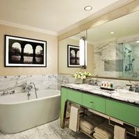 ロウズ リージェンシー ニューヨーク ホテル Deep Soaking Bathtub