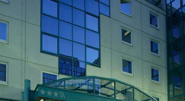 シュタイゲンベルガー ホテル フランクフルト ランゲン - ランゲン - 建物
