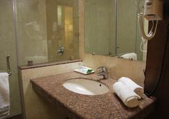 Hotel Fairway - アムリトサル - 浴室