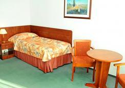 ホテル グロマダ ワルシャワ セントラム - ワルシャワ - 寝室