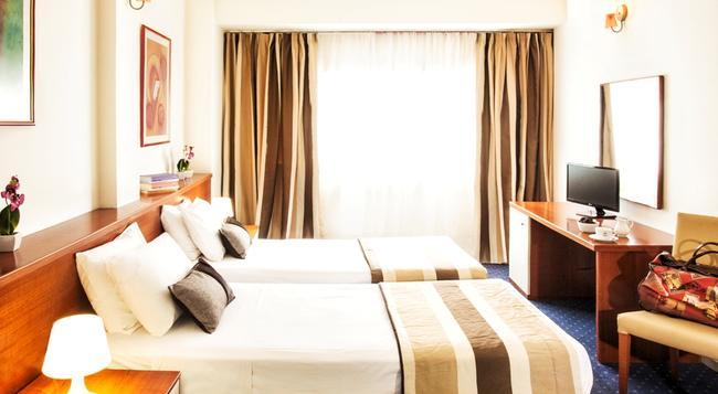 プラザ ホテル - テッサロニキ - 寝室