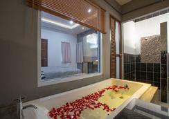 88 Fine Hotel - スラート・ターニー - 浴室