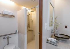シノ ハウス プーケット ホテル - プーケットタウン - 浴室