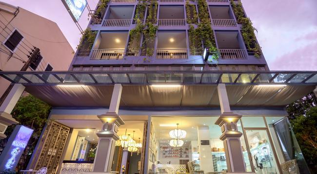 シノ イン プーケット ホテル - プーケットタウン - 建物