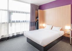 B&B Hôtel Grenoble Centre Verlaine - グルノーブル - 寝室