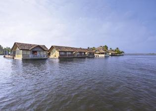 Emarald Pristine Island Floating Resort