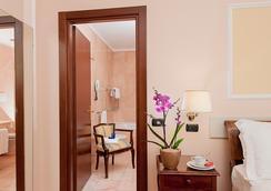 アンバシアトーリ パレス ホテル - ローマ - 浴室