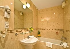 ホテル ラファエロ - プラハ - 浴室