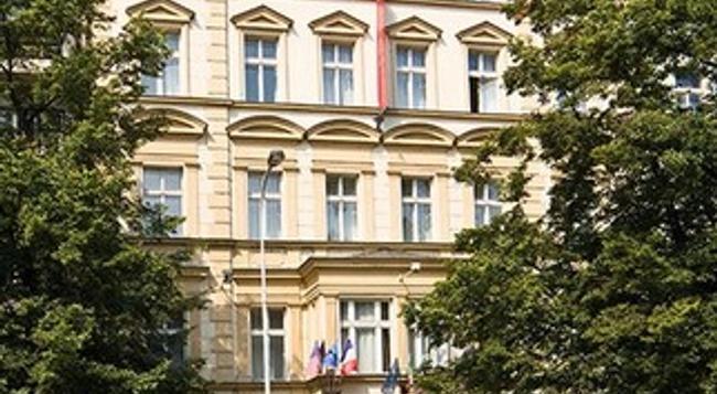 ホテル ティル - プラハ - 建物