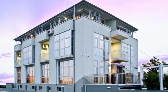 アパート ホテル K - ベオグラード - 建物