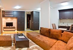 アパート ホテル K - ベオグラード - リビングルーム