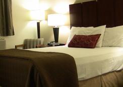 Super 8 Harlingen TX - Harlingen - 寝室