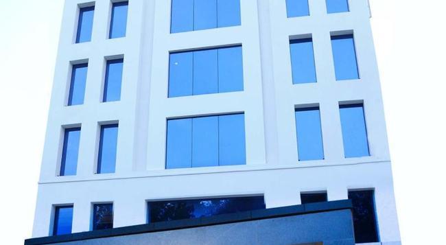 The Iris Hotel - チェンナイ - 建物