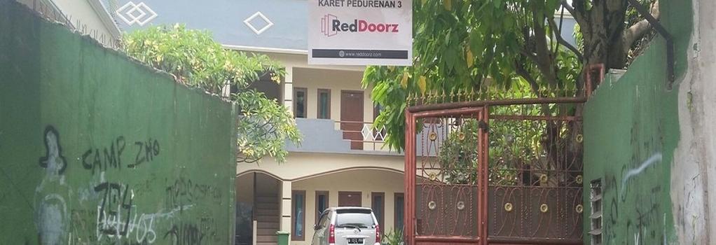 RedDoorz @ Karet Pedurenan 3 - 南ジャカルタ市 - 建物