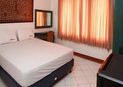 Reddoorz @ Lebak Bulus Raya - 南ジャカルタ市 - 寝室