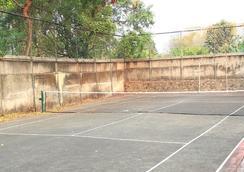 Reddoorz @ Lebak Bulus Raya - 南ジャカルタ市 - 屋外の景色