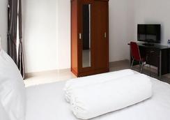 RedDoorz @ Lebak Bulus - 南ジャカルタ市 - 寝室