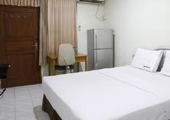 RedDoorz Near WTC Sudirman - 南ジャカルタ市 - 寝室