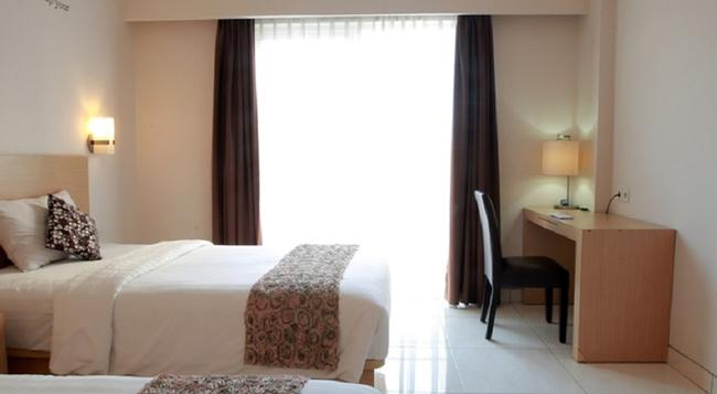 Reddoorz Near Lippo Mall 2 - デンパサール - 寝室