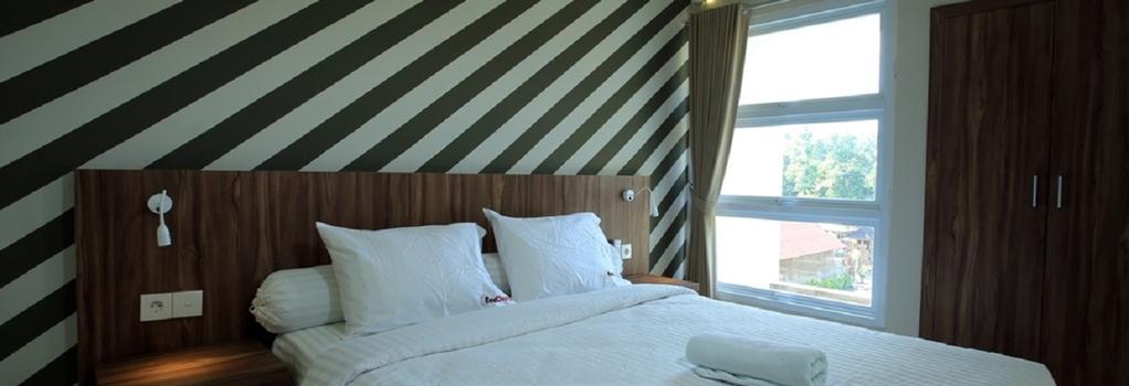 RedDoorz Near Canggu Club - デンパサール - 寝室