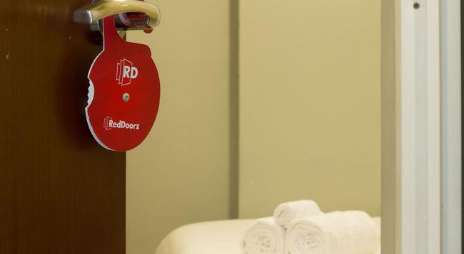 Reddoorz @ Setiabudi - 南ジャカルタ市 - 寝室