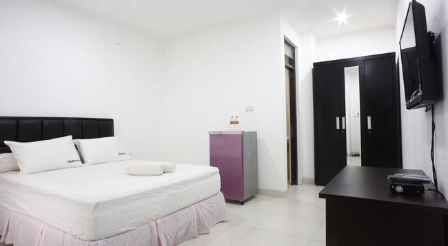 Reddoorz @ Duren Tiga - 南ジャカルタ市 - 寝室