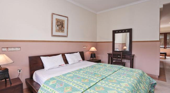 RedDoorz @ Batubelig - デンパサール - 寝室