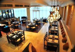 Canvas Hotel Shymkent - Shymkent - レストラン