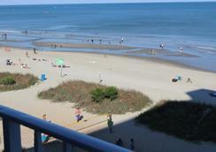 Blu Atlantic Oceanfront Hotel & Suites - マートル・ビーチ - ビーチ