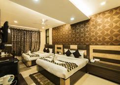 Hotel Puri Palace Amritsar - アムリトサル - 寝室
