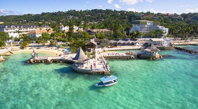 Seagarden Beach Resort - モンテゴ・ベイ - ビーチ