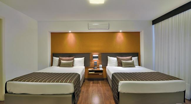 Deville Business Curitiba - クリティーバ - 寝室