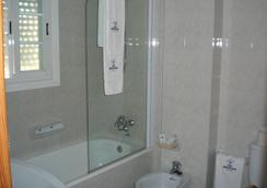 Hotel Ancora - サンシェンショ - 浴室