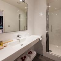 ミッドナイト ホテル パリス Bathroom