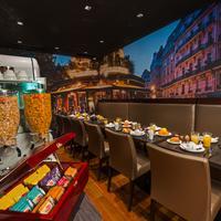 ミッドナイト ホテル パリス Dining