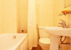 Hanoi Daisy Hotel - ハノイ - 浴室