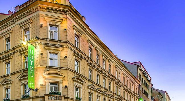 スリー クラウン ホテル - プラハ - 建物