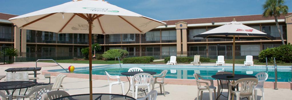 Monroe's on the Lake Hotel & Banquet Hall - サンフォード - プール