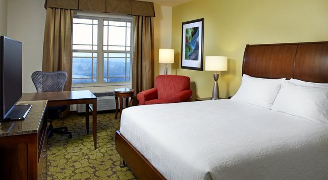 Hilton Garden Inn Roanoke - ロアノーク - 寝室