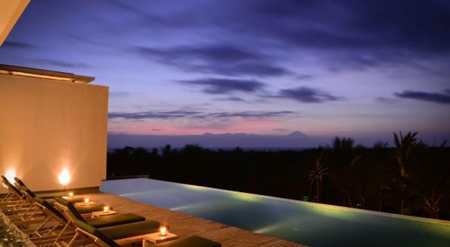 Svarga Resort Lombok - Senggigi - 建物