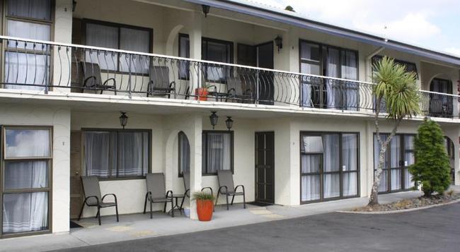 Motel Villa Del Rio - ファンガレー - 建物