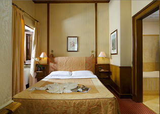 ホテル パンテオン