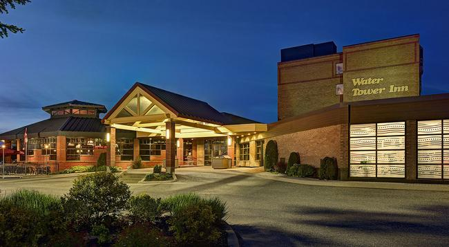 Algoma's Water Tower Inn & Suites, BW Premier Collection - Sault Ste Marie - 建物