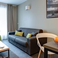 Park&Suites Elegance Le Bourget Living Room