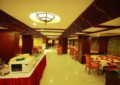 Westway Hotel - カリカット - レストラン