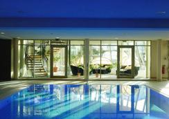 Upstalsboom Hotel Ostseestrand - ゼーバート・ヘリングスドルフ - プール